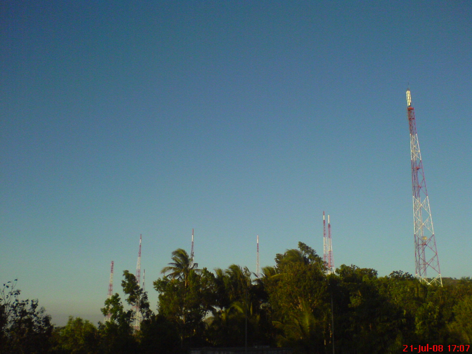 8 pucuk tower di Ngoro-Oro