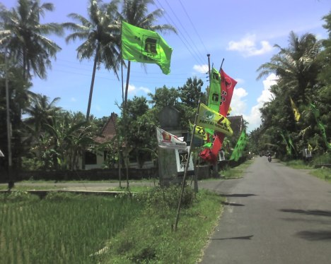 Rame benar nebar bendera