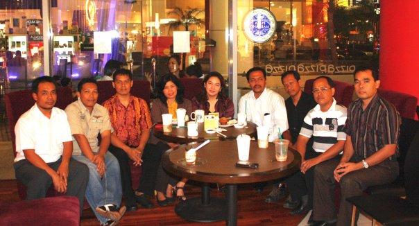 Reunian mas dan mbakyuku yang sukses di Jakarta
