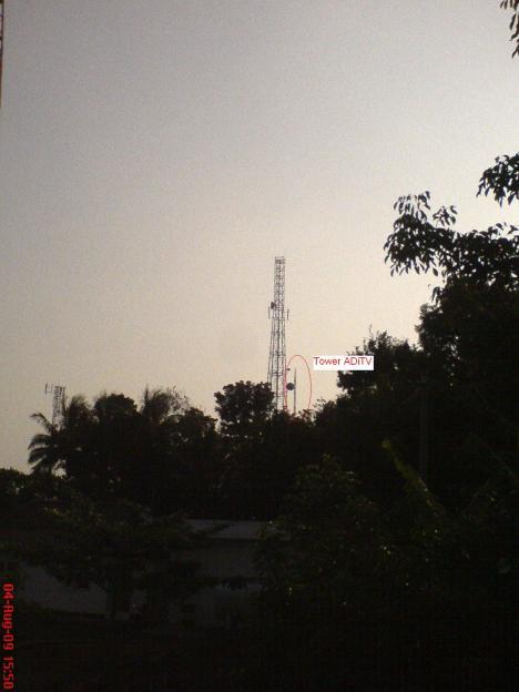 tower transmisi ADiTV, sebelah kanan BTS telkomsel.
