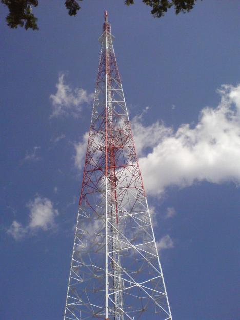 Gagah berdiri paling tinggi di Ngoro-oro, 150 meter.