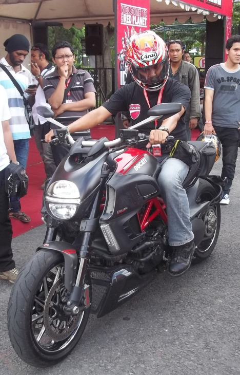 test ride Diavel
