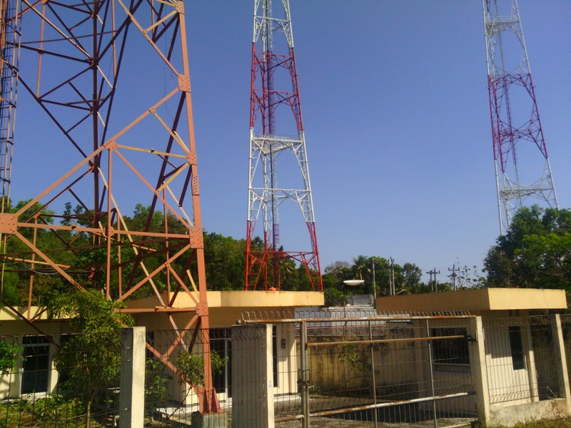 lokasi pemancar dan tower bekas TATV yang sekarang terbengkelai