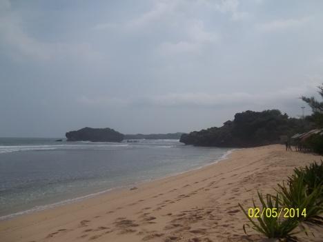 sisi barat pantai Sundak