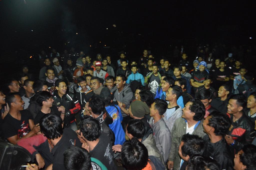 Suasana kemeriahan malam puncak PMHY Bikers Camp dengan menampilkan hiburan Dangdut Jozz